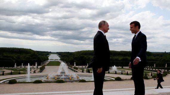 Macron Poutine Versailles Perfection Masculin