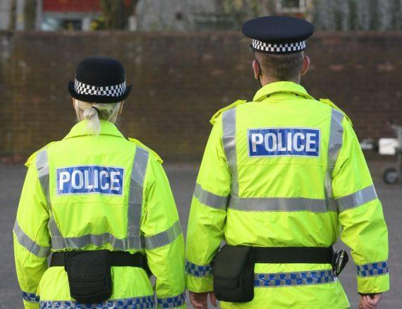 Royaume Uni premier policier genre fluide Callum Abi