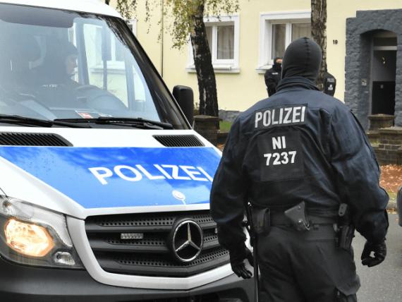 36 nombre descentes police allemande domicile internautes chiffre