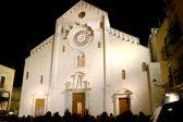 La vidéo: célébration du solstice d'été à la cathédrale de Bari