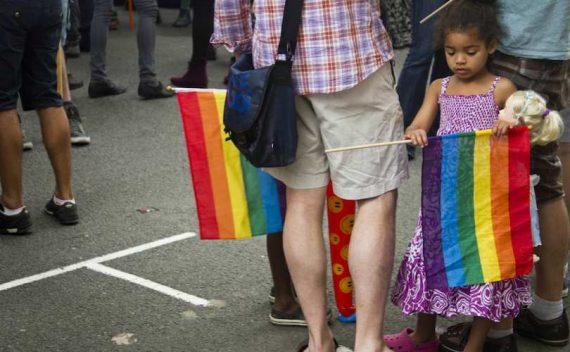Canada Ontario loi arracher enfants parents chrétiens Totalitarisme gay