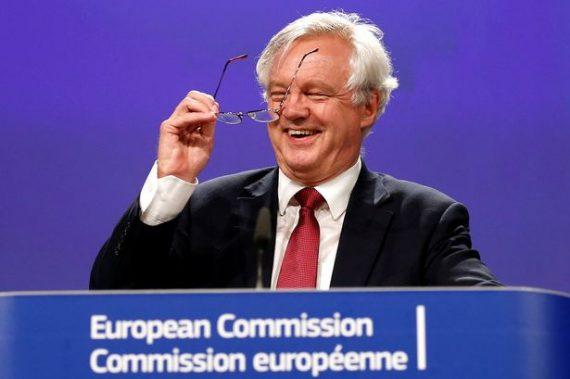 Début négociation Davis Barnier hard Brexit europhiles riposte