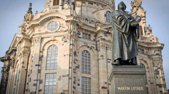 Luther panégyrique Mgr Robert Barron