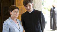 En Pologne, le fils du premier ministre Beata Szydło ordonné prêtre