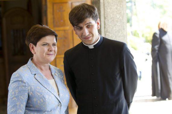 Pologne fils premier ministre Beata Szydło prêtre