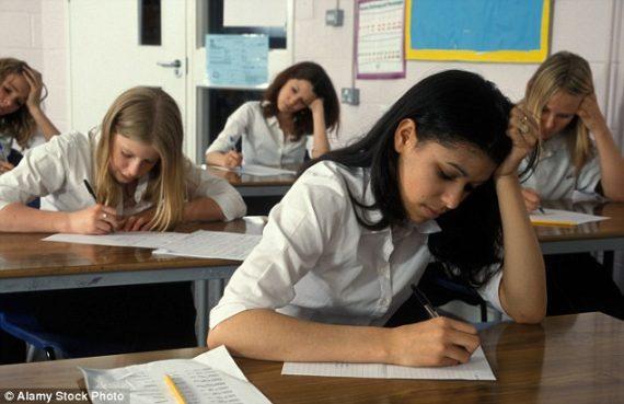 Suède moitié enfants migrants échec scolaire âge