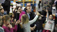 Emmanuel Macron en visite à l'école Dombrowski, à Lille (Nord),le 24 janvier 2017.