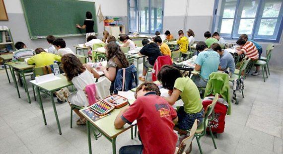 normalité mineurs transsexuels programme scolaire Partido Popular Andalousie Espagne
