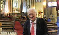 Un prêtre espagnol invite les participants à la Gay Pride à venir dans une église à Madrid