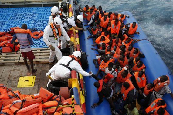 8500 immigrés clandestins invasion Italie révolte