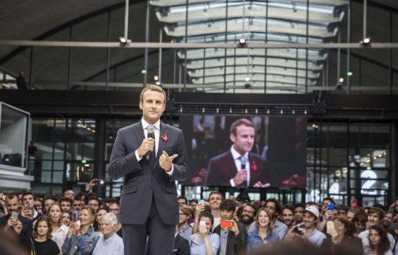 Macron socialiste gens réussissent rien