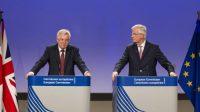 Conférence de presse commune de David Davis, secrétaire d'État britannique à la Sortie de l'UE et Michel Barnier, négociateur en chef européen en charge du Brexit, le 20 juillet à Bruxelles.