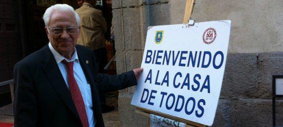 prêtre espagnol participants Gay Pride église Madrid