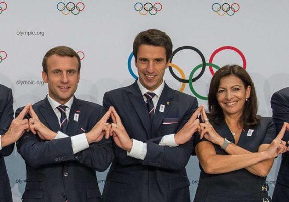 Fêter JO Paris 2024 chaîne union président Macron photo