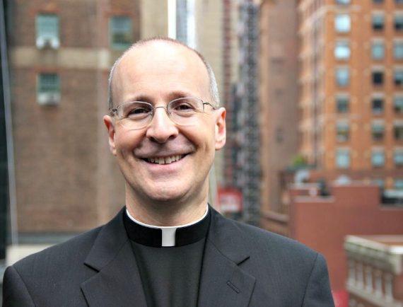James Martin SJ consulteur Vatican Dieu LGBTQ