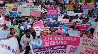 Le Pérou proteste contre l'idéologie du genre dans les écoles.