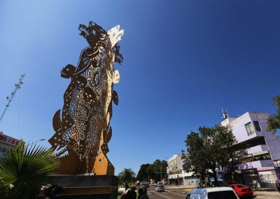 Syncrétisme statue Vierge Guadalupe déesse Coatlicue Tonantzin Mexique simples catholiques