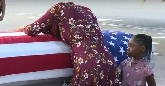 Accusé insensibilité égard veuve militaire américain Trump