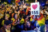 Manifestation monstre contre les indépendantistes en Catalogne pour fêter le recours de Madrid à l'article 155 suspendant l'autonomie