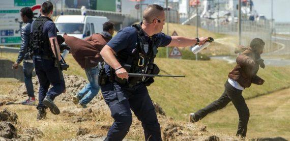 Forces Ordre Accusées Abus Migrants Calais Rapport Médias