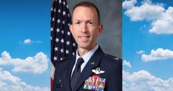 colonel US Air Force sanctionné refus reconnaître mariage homosexuel subordonné