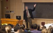 La discrimination positive dommageable pour les personnes censées en bénéficier,<br>selon le professeur Sander de l'université de Californie