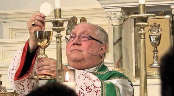 prêtres Madison refuser funérailles chrétiennes catholiques LGBT