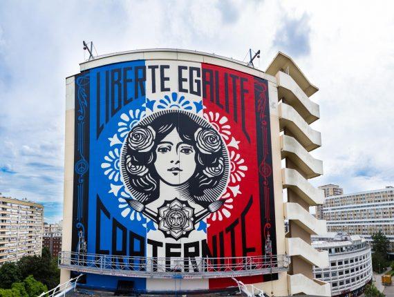 symboles Marianne bureau Emmanuel Macron oeuvre Shepard Fairey