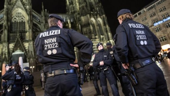 Agressions sexuelles Cologne Halloween migrants