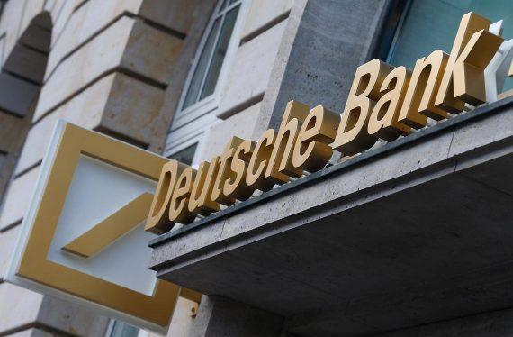 Deutsche Bank licencier moitié employés
