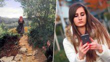 Photo: La femme à l'iPhone