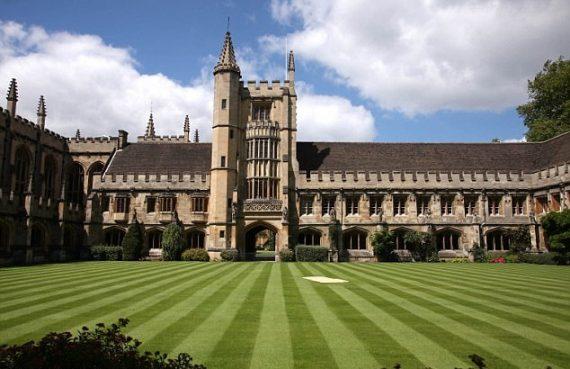 faculté Oxford cours sensibilisation racisme année prochaine