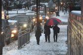 Plus de 2.000 écoles à travers le Royaume-Uni sont fermées à cause de la neige… qui a bien souvent disparu!