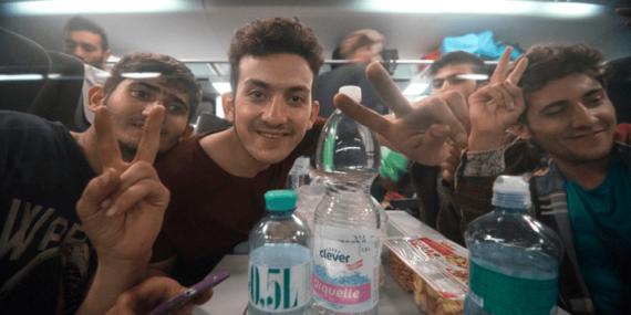 84 migrants mineurs Suède réalité adultes