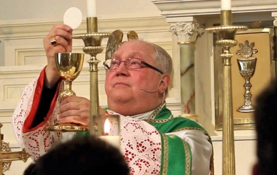 Mgr Robert Morlino Madison prier archange saint Michel diocèse Wisconsin