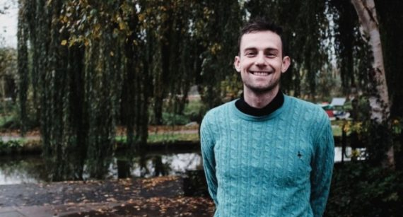 discrimination religieuse professeur mal genré fille trans justice Joshua Sutcliffe