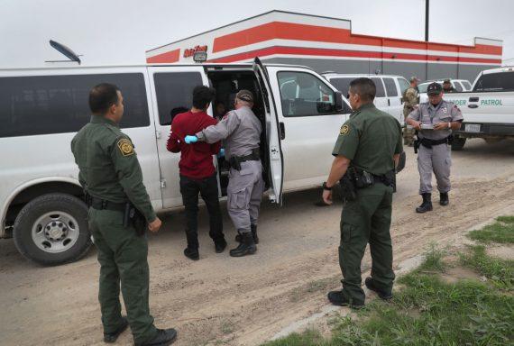 héritage Obama demi million immigrés illégaux dossiers traités