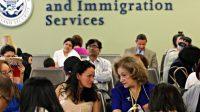L'immigration de masse exclut toujours plus d'Américains du marché du travail et bloque les salaires