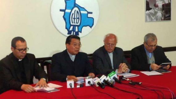 évêques catholiques Bolivie totalitarisme décision Evo Morales