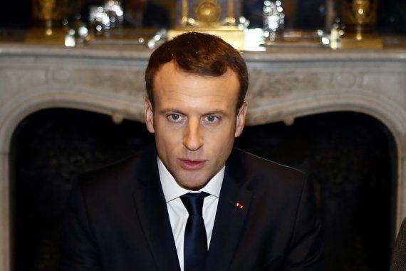 Macron Internet Information Totalitarisme Démocratie Moralisateur