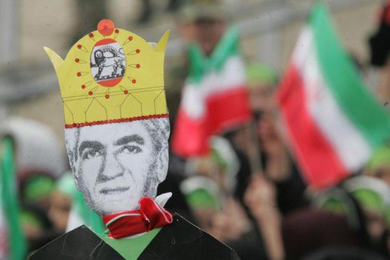 Manifestations ayatollahs Iran chah Reza Pahlavi retour