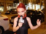 Le nouveau mannequin d'un magasin érotique est un garçon de neuf ans habillé en drag queen