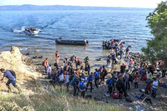 12000 migrants réfugiés clandestins Lesbos 2017