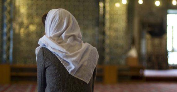 Femmes Musulmanes Agressées Sexuellement Mosquée Mecs Mecque Porcs