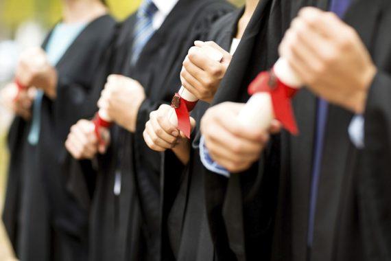 Notes inférieures 12 enquête université groupe Russell enseignants menacés
