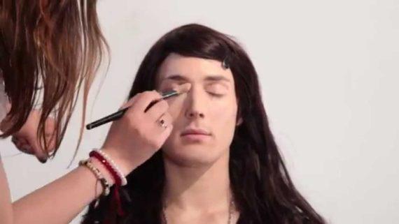 transgenres prisons traitement faveur détenus Douches maquillage fouilles Royaume Uni