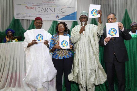 Banque mondiale 20 jeunes nigérians lire adultes école primaire