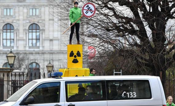 Centrale nucléaire Hongrie Autriche porte plainte UE