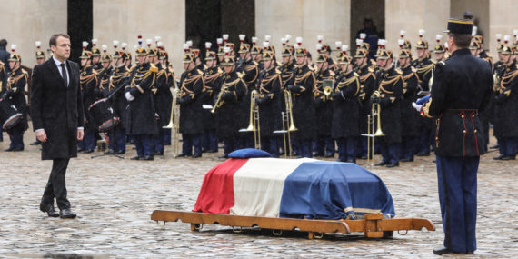 Colonel Arnaud Beltrame Macron Démagogue drame Trèbes