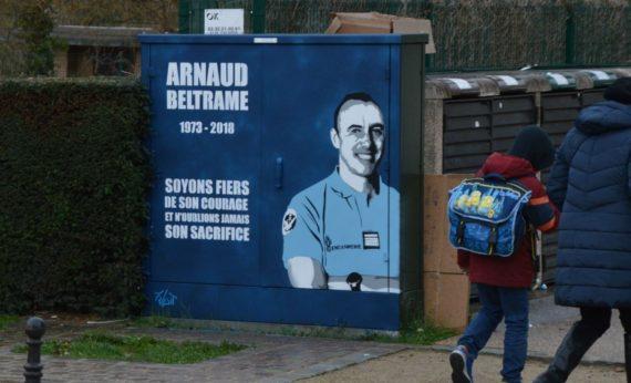 Colonel Arnaud Beltrame hommage national héros France